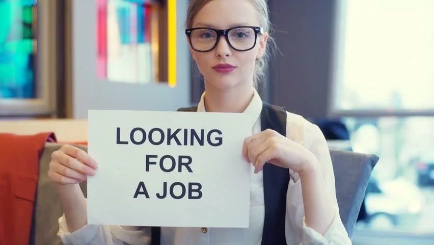 Girl looking for a call girl job in Delhi